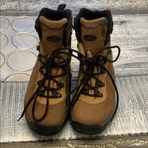 Salomon Hiking boots 7 1/2